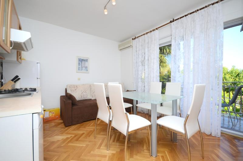 Apartments Margeta - 73491-A4 - Image 1 - Novigrad - rentals