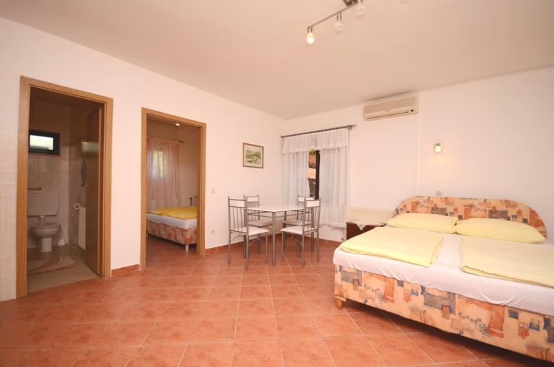 Apartments Margeta - 73491-A2 - Image 1 - Novigrad - rentals