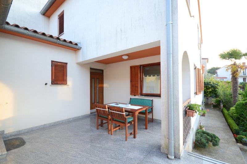 Apartment Ljiljana - 74701-A1 - Image 1 - Fazana - rentals
