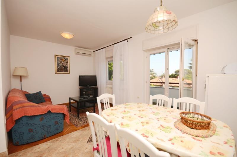 Apartments Stevo - 75961-A1 - Image 1 - Umag - rentals