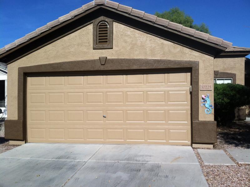 Front of house. - Johnson Ranch Snow Bird Special - San Tan Valley - rentals
