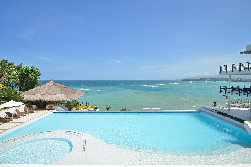 pool area - 3 bedroom  Apartment in cohiba villas - Boracay - rentals