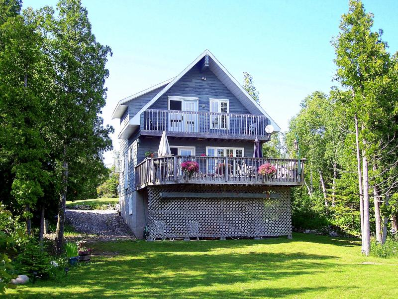 Front View of the Willow Bank from the water's edge - Willow Bank - Private Lakeside Retreat- Tobermory - Tobermory - rentals