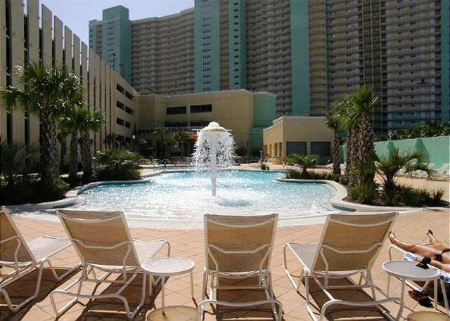 BEACHFRONT AND BEAUTIFUL FOR 6! OPEN 4/4 - 10% OFF BOOK NOW - Image 1 - Panama City Beach - rentals
