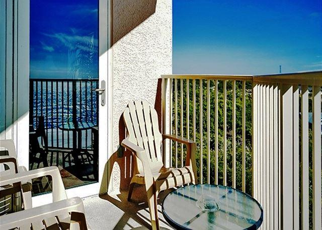 BEACHFRONT BEAUTY FOR 6! GREAT VIEWS! OPEN 5/2-5/9 ~ TAKE 30% OFF! - Image 1 - Destin - rentals