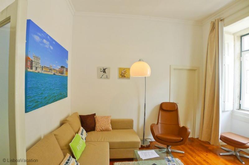 CR2- Bright, Sunny, AC, View, Lift, Pedestrian street - Image 1 - Lisbon - rentals
