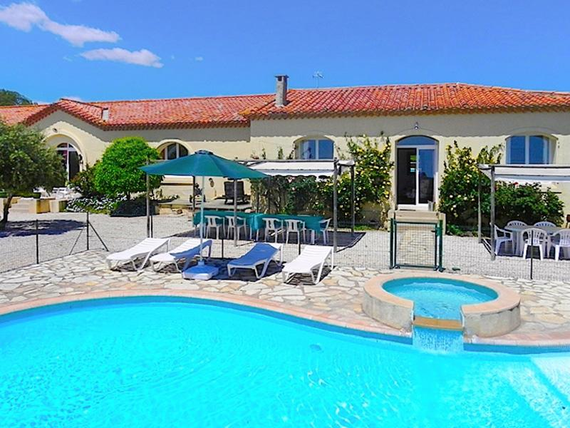 House in the nature reserve of Roque-Haute, Hérault, with colourful décor, lush garden and pool - Image 1 - Portiragnes - rentals