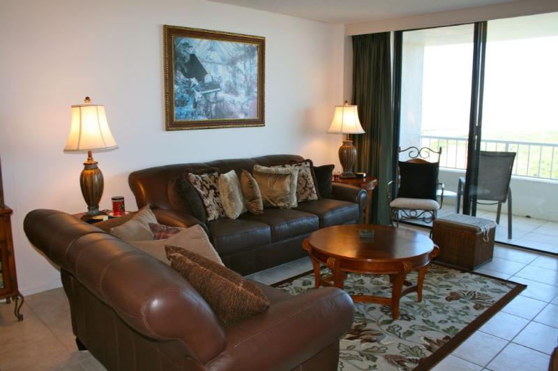 Living Room - Gorgeous beachfront condo with sweeping views of Gulf of Mexico - Marco Island - rentals