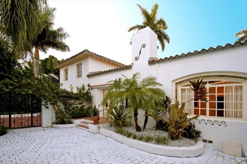 Luxury Miami Beach House on Canal - Image 1 - Miami Beach - rentals