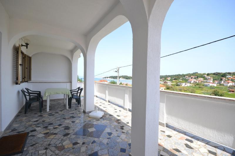 Apartments Marina - 68951-A2 - Image 1 - Lopar - rentals