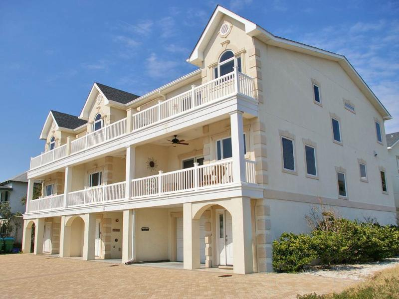 Seascape C - Deluxe Townhouse, Half a Block from the Beach - Small Dog Friendly - FREE Wi-Fi - Image 1 - Tybee Island - rentals