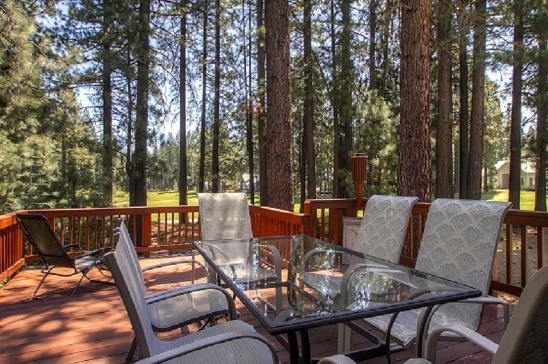 #192 COTTONWOOD Oustanding home on 16th Fairway of Plumas Pines Golf Resort $240.00- $275.00 BASED ON 4 PERSON OCCUPANCY AND NUMBER OF NIGHTS (plus county tax, SDI, and processing fee) - Image 1 - Plumas County - rentals
