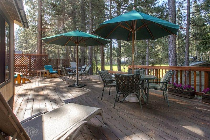 #44 SEQUOIA Huge deck! $200.00-$235.00 BASED ON FOUR PEOPLE OCCUPANCY AND NUMBER OF NIGHTS (plus county tax, SDI, and processing fee) - Image 1 - Plumas County - rentals