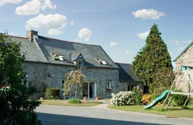 Spacious and charming house in the heart of the Côtes-d'Armor, Brittany, with 5 bedrooms and garden - Image 1 - Collinee - rentals