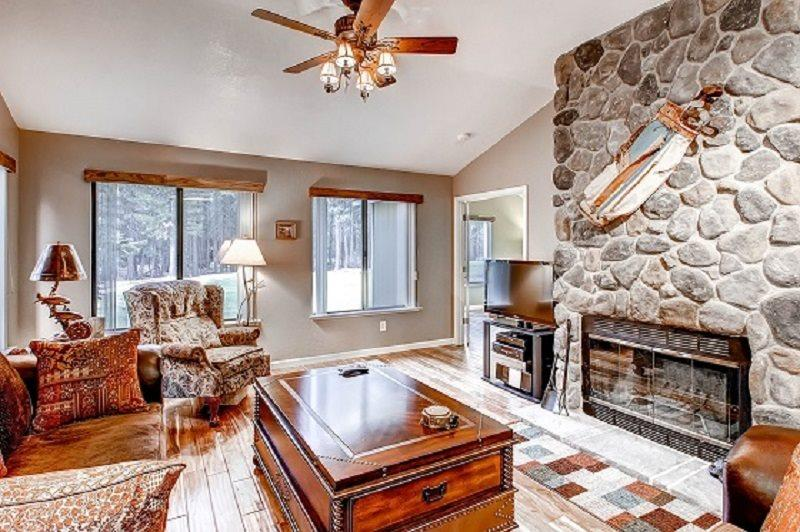 #269 TAMARACK Stunning decor and excellent location!!! $160.00-$195.00 BASED ON DATES AND NUMBER OF NIGHTS (plus county tax, SDI, Cleaning Fee and processing fee) - Image 1 - Plumas County - rentals