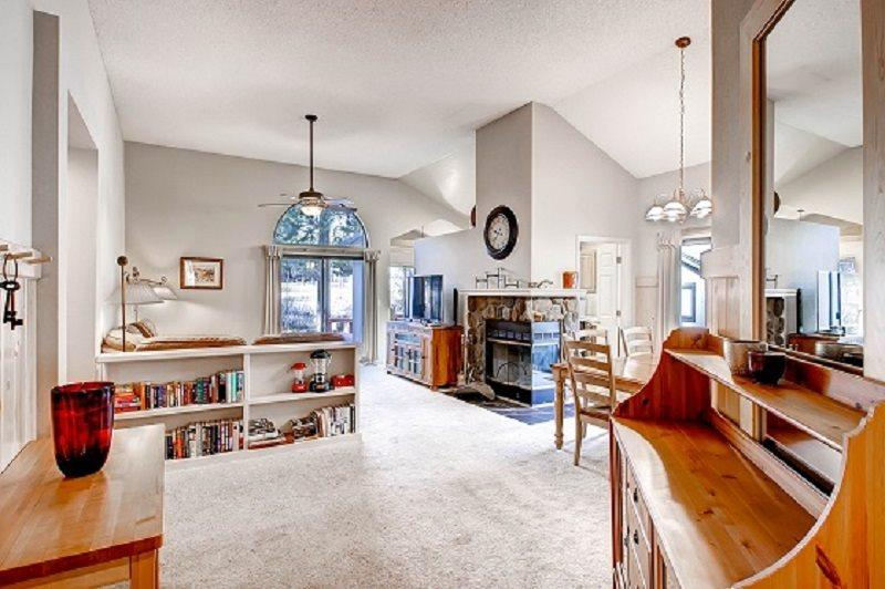 #105 COTTONWOOD PET FRIENDLY Gorgeous family get away on the golf course - Image 1 - Blairsden - rentals