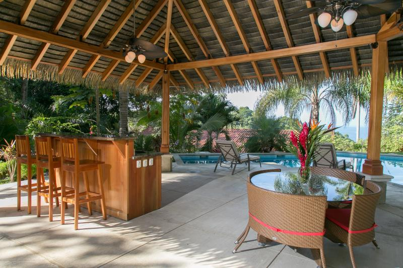 Ocean view pool and rancho - Perfect Family Vacation, book now $500 off any 7 nights in AUGUST 2017! - Manuel Antonio National Park - rentals