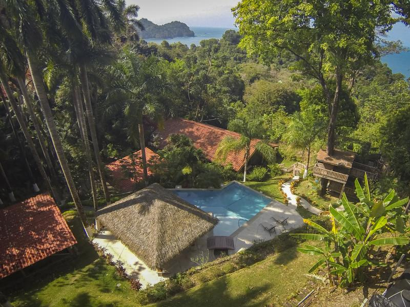 The gorgeous and lush Casa Colibri - Ocean View Pool and Tiki Hut! 5 bedrooms! - Manuel Antonio National Park - rentals