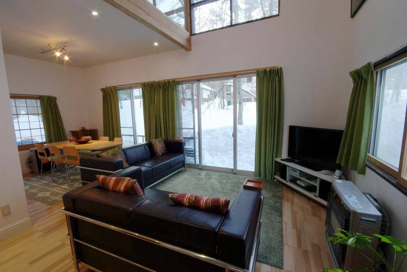 Living room & dining room - Hakuba Cottage Yukimatsu — Self-contained Cottage - Hakuba-mura - rentals