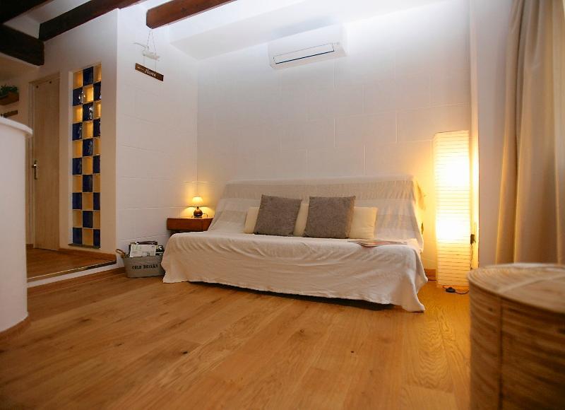 Cozy apt in Old Town El Corazon del Casco Antiguo - Image 1 - Palma de Mallorca - rentals