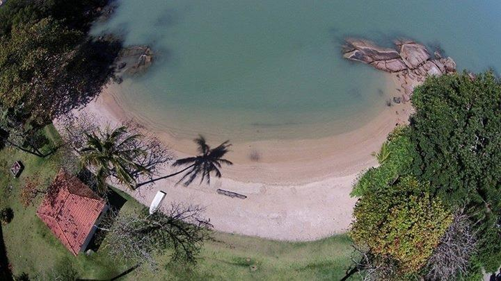 Beach Casa Sophia from the air - Great House on the beach (price in U$ Dollar) - Governador Celso Ramos - rentals