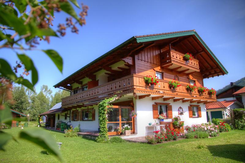 380 Sqft Vacation Apartment Inzell - well kept personell alpine horses - Image 1 - Inzell - rentals