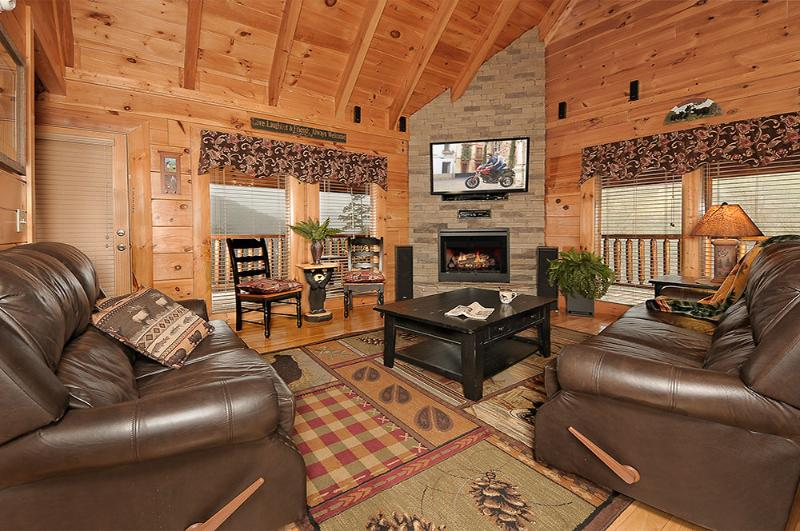 Great Room - Away at Sha-Kon-O-Hey Luxury Pigeon Forge Cabin - Pigeon Forge - rentals