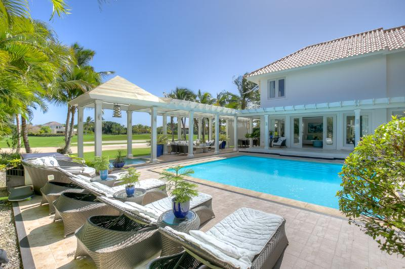 Comfortable 4 Bedroom Family Vacation Villa in Gated Punta Cana Resort - 4 Bedroom! - Image 1 - Punta Cana - rentals