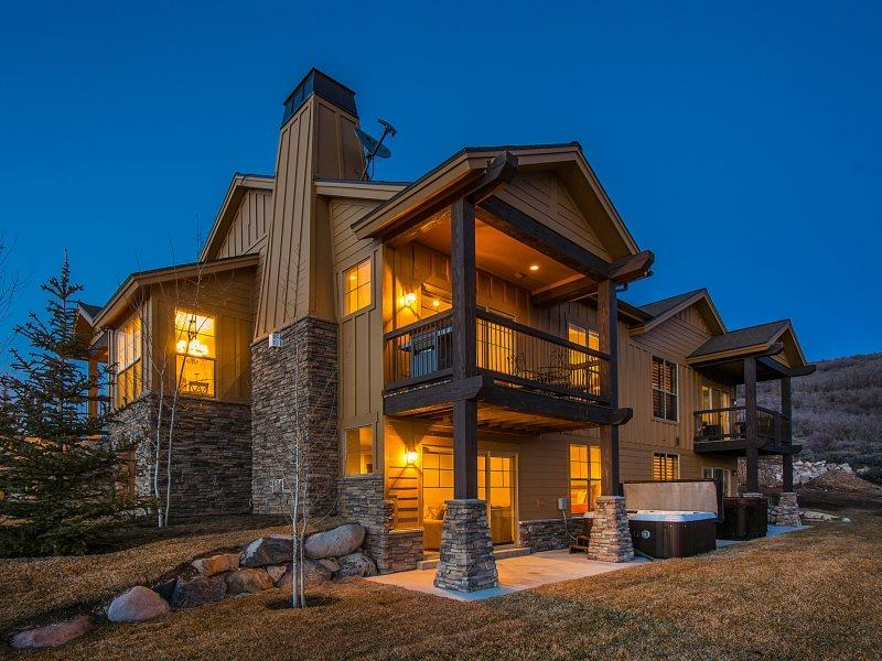 Black Rock 1 in Park City with Private Hot Tub & B - Image 1 - Midway - rentals
