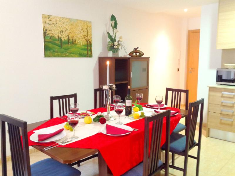 "living / dining room, long table with chairs - ""ANA II BEACH-CITY""-apartment - Lloret de Mar - rentals"