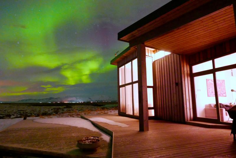"""""""it's all about the lights""""  Watch the Northern Lights Dance across the sky - Riverfront Cottage Beautiful View - Selfoss - rentals"""