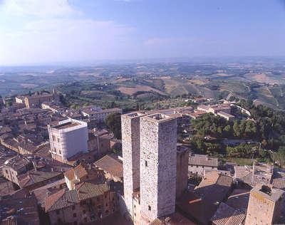 View of san Gimignano  from the upper part of the tower - THE 'TORRE DI SAN GIMIGNANO' CHARME TOWER ACCOMOD. - Cortona - rentals