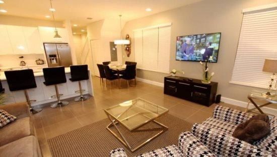 3 Bedroom 3 Bath End Unit Townhouse With Splash Pool. 17401PA - Image 1 - Orlando - rentals