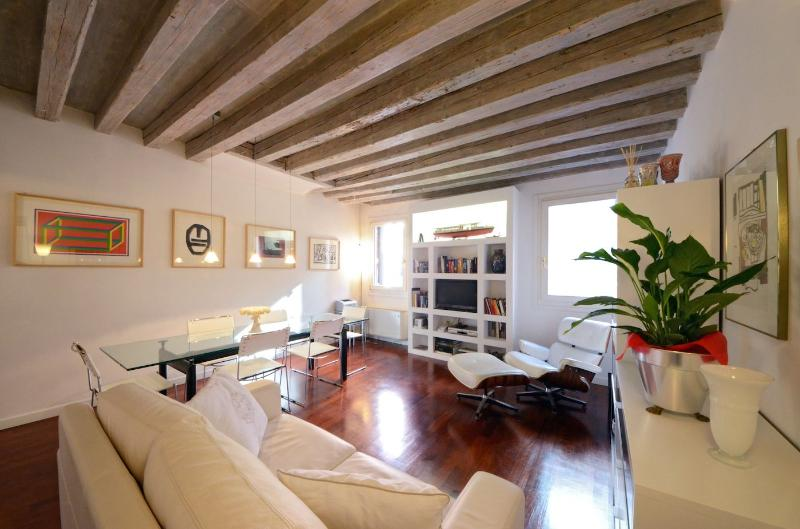 the Foscarina apartment living room with contemporary style furniture and canal view - Foscarina - Venice - rentals