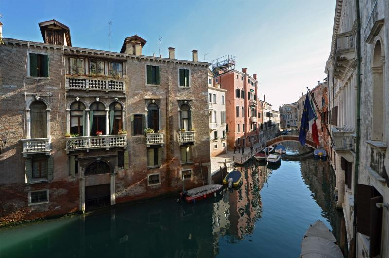 enjoy the charming view on the quiet canal at the Marco Polo apartment! - Marco Polo - Venice - rentals