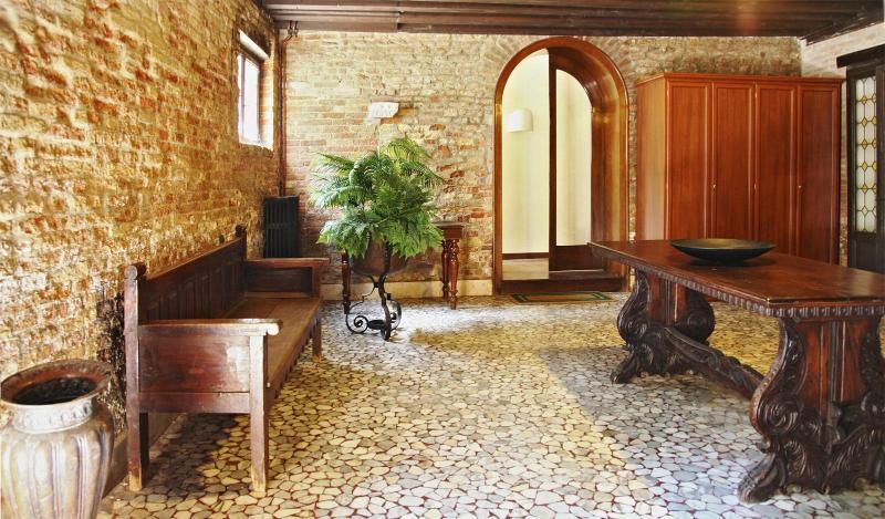 the authentic venetian entrance hall a the ground floor - Michiel - Venice - rentals