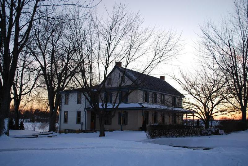 A serene winter evening. - CHRISTMAS SPECIAL * $1498 for week * Beautifully decorated for the holidays * - Lancaster - rentals
