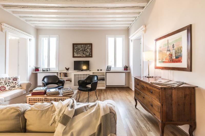 Ca' Luminosa - 3 bedroomed flat in the Marinarezza central Venice - Image 1 - Venice - rentals