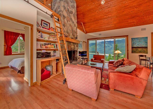 Grandview Hideaway - Private Hideaway with big views of the Lake and Mountains! *Summer Specials* - Cle Elum - rentals