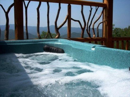 Peace Of the Mountain is Just Minutes to White Water Rafting and Zip Line Canopy Tours - Peace of the Mountain – Unforgettable View, Sparkling Hot Tub, and a Loft Game Room – Everything You Need for an Incredible Vacation – 20 Minutes from White Water Rafting - Bryson City - rentals