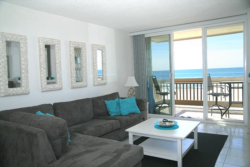 Stunning ocean view from the living room, kitchen, and master bedroom. - D26 - Seaside Cottage - Oceanside - rentals