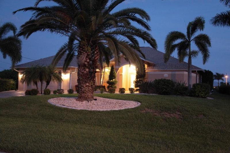 Villa Dreams of Paradise - Image 1 - Cape Coral - rentals