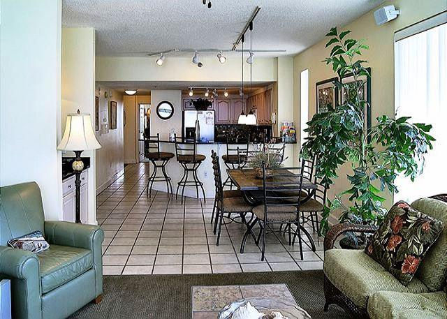 BEACHFRONT & BEAUTIFUL FOR 8! AVAILABLE 4/11-4/18! TAKE 20% OFF - Image 1 - Destin - rentals