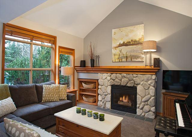Spacious Living Area with Cozy Gas Fireplace and Vaulted Ceiling - Arrowhead Point 5 | Newly renovated, Near Ski Trail, Private Hot Tub - Whistler - rentals