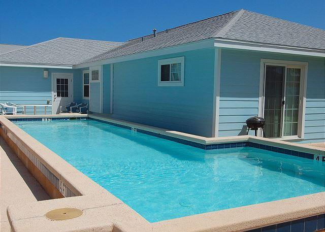 Private Pool - Blue Water Cottage Private home, Sleeps 10-12 w/private pool! - Port Aransas - rentals