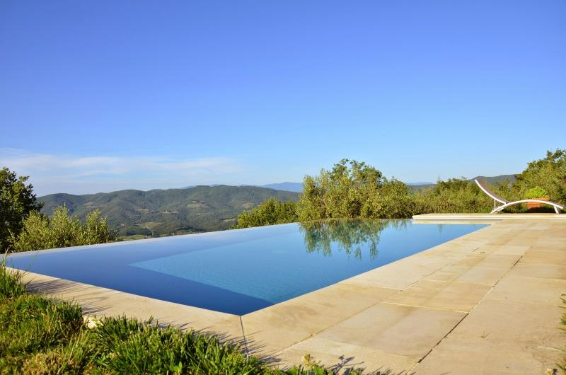 6 bedroom Villa in Greve in Chianti, Chianti, Tuscany, Italy : ref 2293920 - Image 1 - Montefioralle - rentals