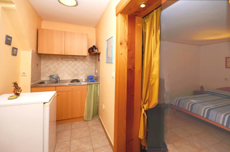 Apartments Milivoj - 61231-A2 - Image 1 - Kornic - rentals