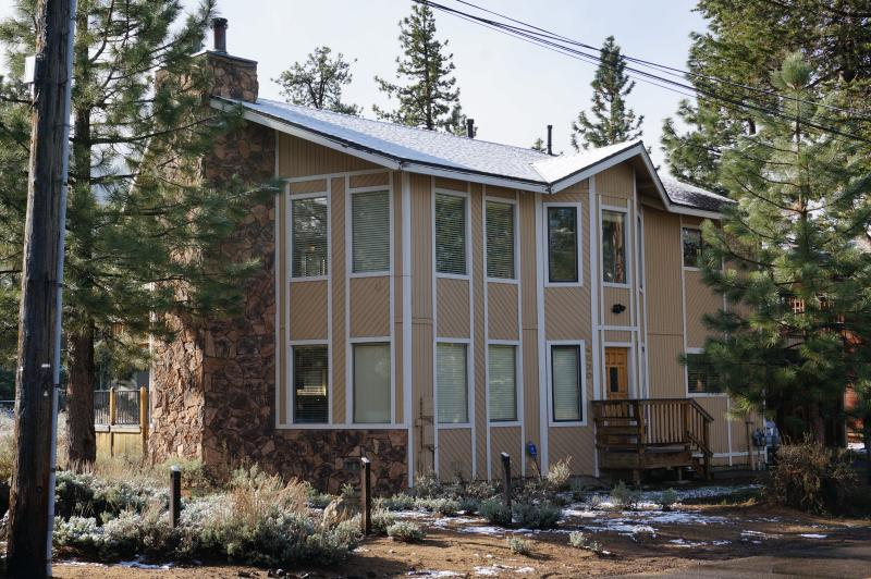 Corner Park Ave & Azure - BEST DUPLEX IN TOWN BY THE BEACH & GONDOLA - South Lake Tahoe - rentals