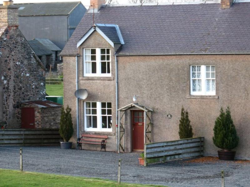 JOCKS COTTAGE, Kelso, Roxburghshire, Scottish Borders - Image 1 - Kelso - rentals