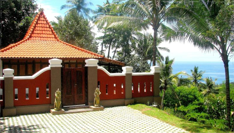 Charming Javanese Joglo with Seaview - Image 1 - Lombok - rentals